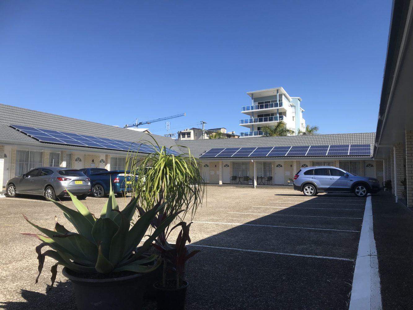 Car Park Cooks Endeavour Motor Inn